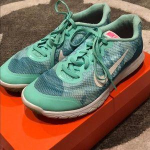 Nike Womens Flex Experience RN4 Sz 8